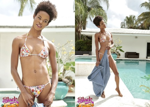 Mila Dulce - Poppin' Pussy - Black GFs - Ebony Image Gallery
