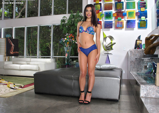 Gina Valentina - hot blue ass - Pornstars HD Gallery