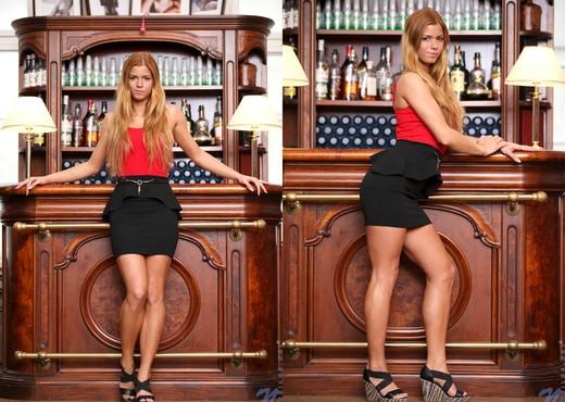 Chrissy Fox - spreading her legs & pussy - Teen TGP