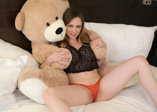 Lily loves Ted - Solo Sexy Photo Gallery