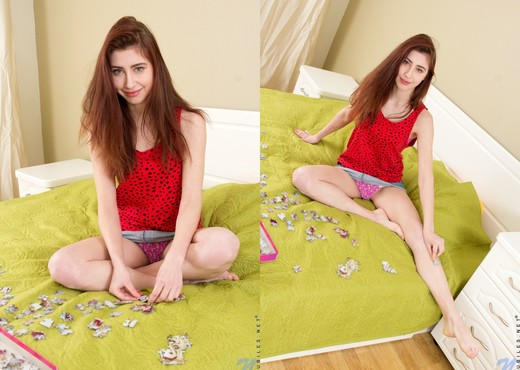 Vivien touching herself on the bed - Teen HD Gallery