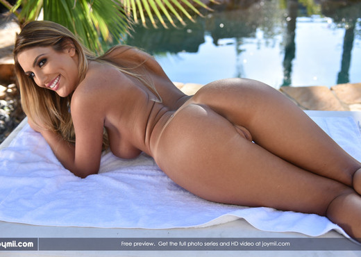 Watch Me Cum - August Ames - Solo Nude Pics