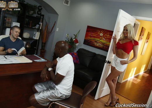 Lexi Lowe - Cuckold Sessions - Interracial TGP