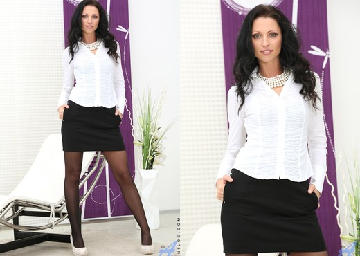 July Sun - German Beauty - Anilos - MILF Porn Gallery