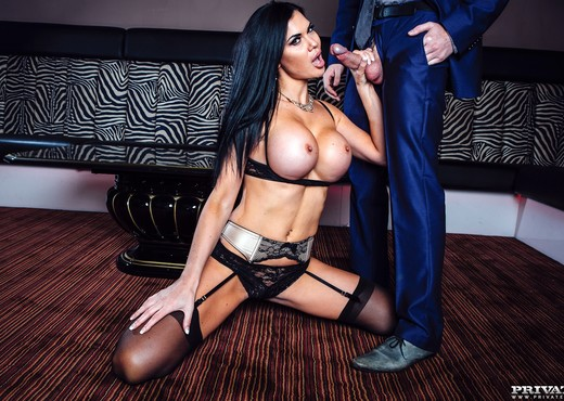 Busty Beauty Jasmine Jae Gets Finished Off Private Style - Hardcore TGP