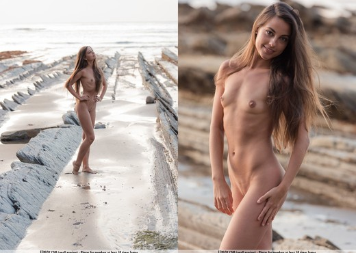 Naked - Lorena G. - Solo Image Gallery