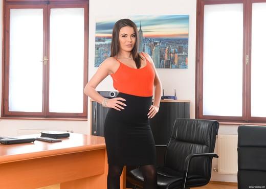 Vanessa Decker, Toby - Flippant Secretary - 21Sextury - Hardcore Hot Gallery