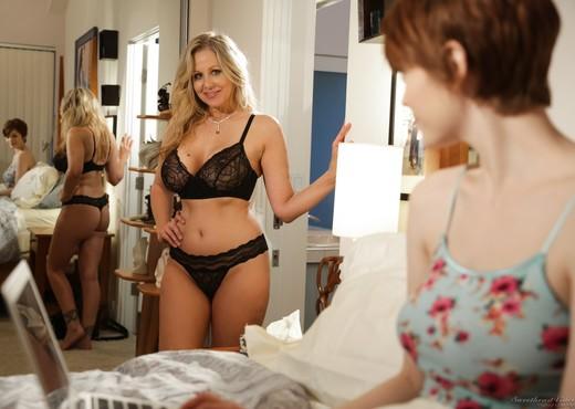 Julia Ann, Bree Daniels - Redheads have more fun! - Lesbian Nude Pics