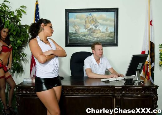 Watch Mark Wood make Charley Chase squirt - Hardcore TGP