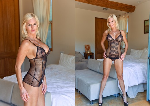Jewel - Classy Blonde - FTV Milfs - MILF Porn Gallery