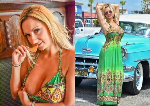 Nikki - Beach Beauty - FTV Milfs - MILF Sexy Photo Gallery