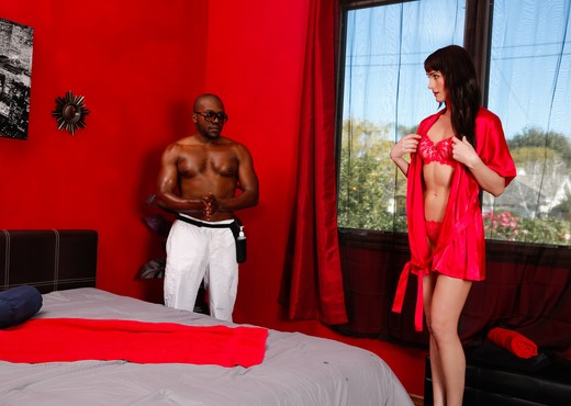 Bianca Breeze - Wife's Fantasy Surprise - Fantasy Massage - Interracial TGP