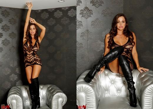 Abigail Mac - Black Boots - Solo Nude Pics