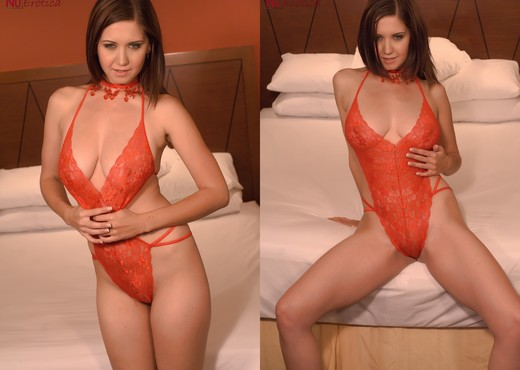 Chrissy Marie - Chrissy In Red Lingerie - Solo TGP