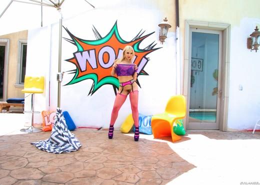 Sarah Vandella - Adorable Blonde Gapes Graphically - Hardcore Hot Gallery