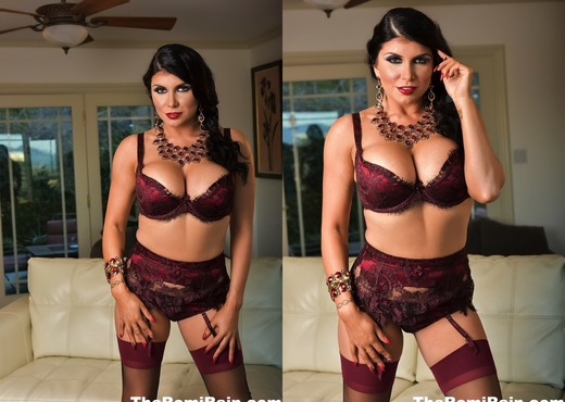 Romi gets nude in the livingroom - Romi Rain - Solo Nude Pics