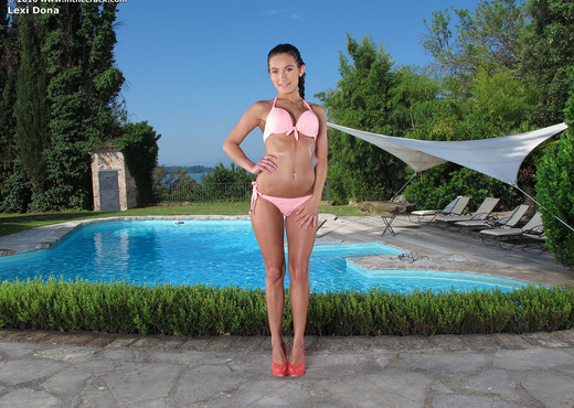 Lexi Dona - InTheCrack - Solo Nude Pics