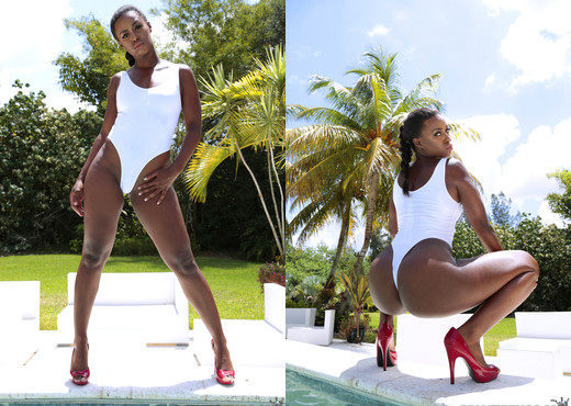 Simone Styles - Tight And Tossed - Round And Brown - Ebony Sexy Gallery