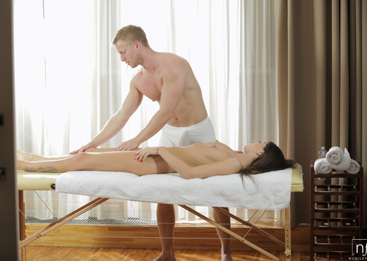 Nessa Shine - Smooth Moves - Nubile Films - Hardcore Picture Gallery