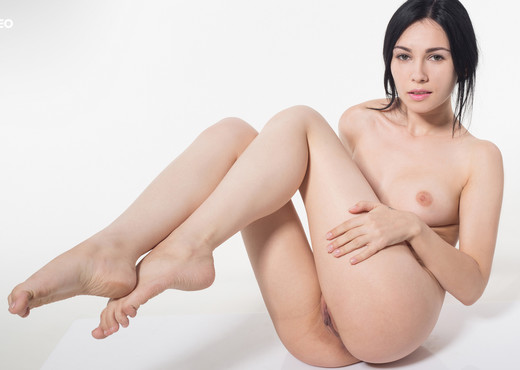 Alla - Watch4Beauty - Solo Nude Pics
