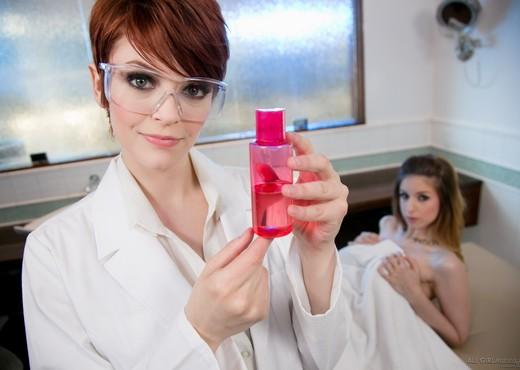 Bree Daniels, Stella Cox - The New Formula: Part Two - Lesbian TGP