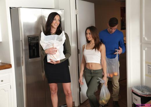 Ariella Ferrera, Sara Luvv - A Family Affair - Hardcore Nude Pics