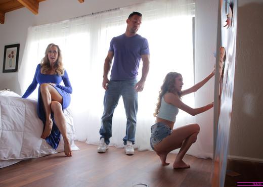 Brandi Love, Rebel Lynn - While Mom Is Away - Hardcore Picture Gallery