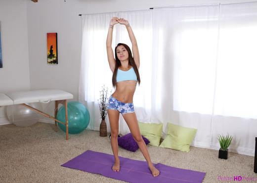 Marina Angel - Petite Fitness Sex - Petite HD Porn - Hardcore TGP