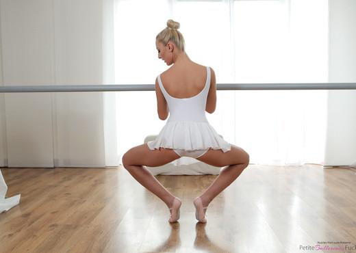 Katy Rose - Petite Blonde Dancer - Petite Ballerinas Fucked - Hardcore Image Gallery