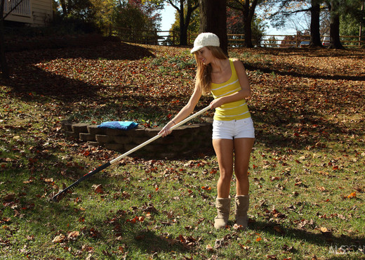 Jessie Rogers - Lazy Landscaper - ALS Scan - Lesbian Sexy Gallery