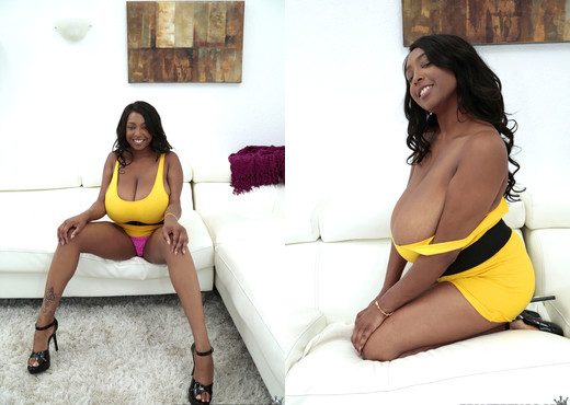 Rachel Raxxx - Racks On Raxxx - Big Naturals - Ebony Nude Gallery