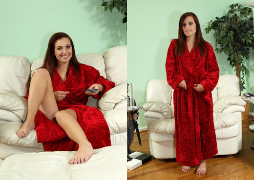 Franziska Facella, Maryjane Johnson - Robe & Probe - Lesbian Sexy Photo Gallery