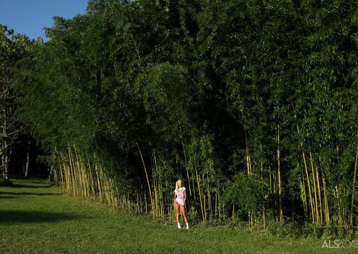 Franziska Facella - Bamboo Taboo - ALS Scan - Toys Porn Gallery