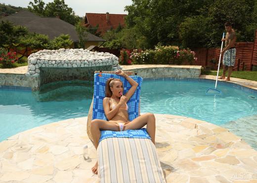 Leyla Black, Zack - Pool Boy - ALS Scan - Hardcore Picture Gallery