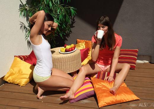 Iwia, Susan Ayn - Cozy Corner - ALS Scan - Lesbian Porn Gallery