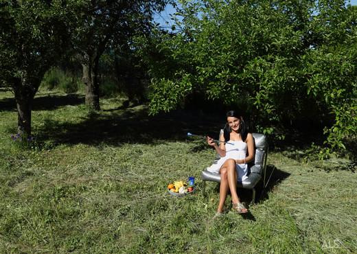 Lexi Dona - Jubilant - ALS Scan - Solo Hot Gallery