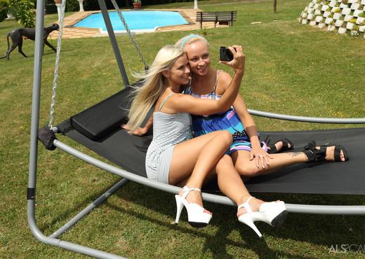 Lola, Naomi Nevena - Platinum - ALS Scan - Lesbian Image Gallery