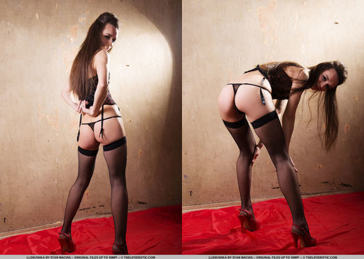 Llenushka - Rouge Noir - The Life Erotic - Solo Sexy Photo Gallery