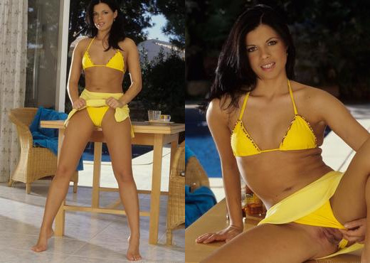 Cory Baby - Lady in Yellow - Viv Thomas - Toys Picture Gallery
