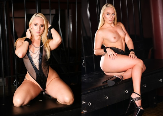 AJ Applegate - Squirt Queen AJ Dominated & Soaked - Hardcore HD Gallery
