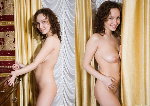 Xenni - Joyful - Rylsky Art - Solo Hot Gallery