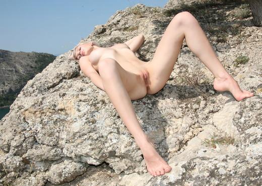 Presenting Val D 3 - Erotic Beauty - Solo TGP