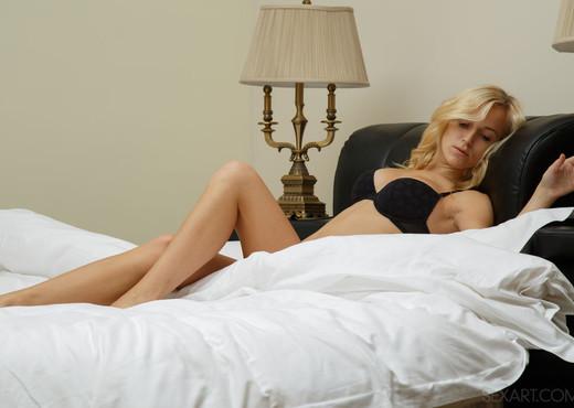 Aislin - Varieta - Sex Art - Solo Nude Gallery