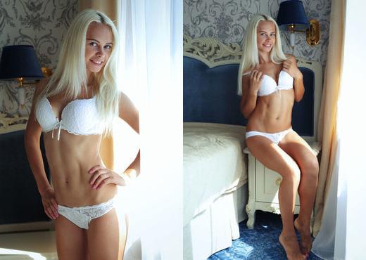 Elissa K - MONDO - Eternal Desire - Solo Image Gallery