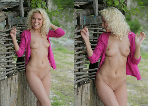 Liza I - In Hot Pink 2 - Erotic Beauty - Solo Porn Gallery