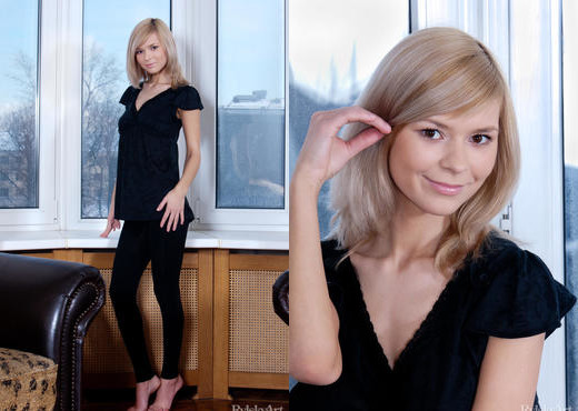 Paloma - Lady In Black - Rylsky Art - Solo Hot Gallery