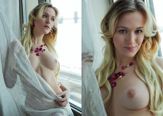 Aislin - LUST - Eternal Desire - Solo Nude Gallery