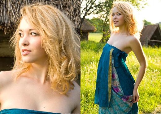 Alisa G - Farm Girl 1 - Erotic Beauty - Solo Sexy Photo Gallery