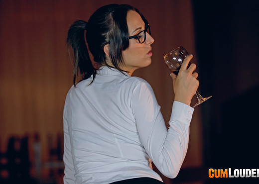 Liz Rainbow - Cabernet Squirtignon - Anal Sexy Gallery