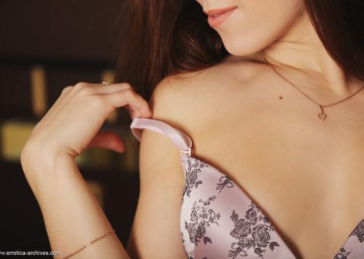 Eva Kane - Semak - Errotica Archives - Solo Sexy Photo Gallery